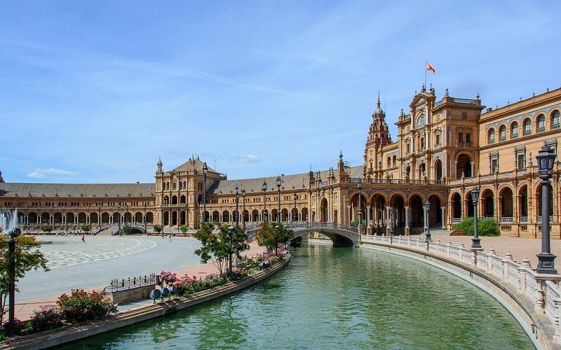 Фото: Площадь Испании - Достопримечательности Севильи: ТОП-10