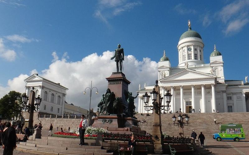 Фото: Сенатская площадь - Достопримечательности Хельсинки: ТОП-10