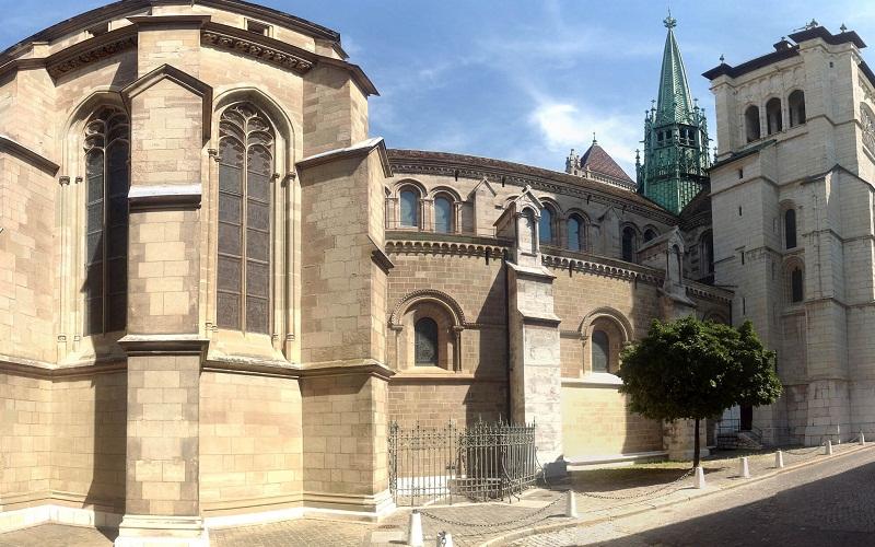 Фото: Собор Святого Петра - Достопримечательности Женевы: ТОП-10