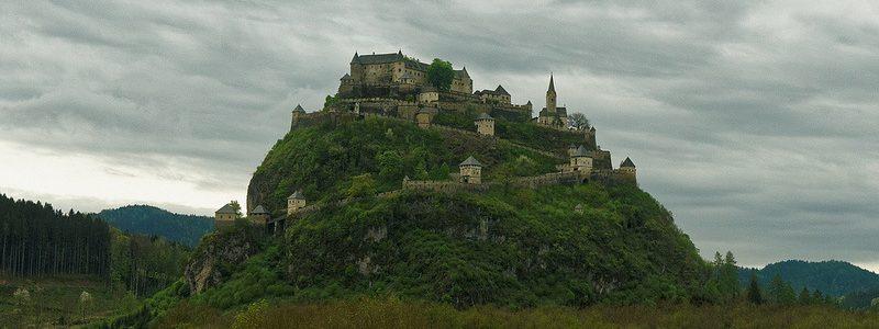 Фото: Замок Гохостервиц, Австрия - обзор, как добраться, лайфхаки