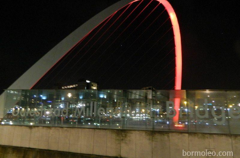Фото: Ньюкасл-апон-Тайн: студенты, мосты и футбол