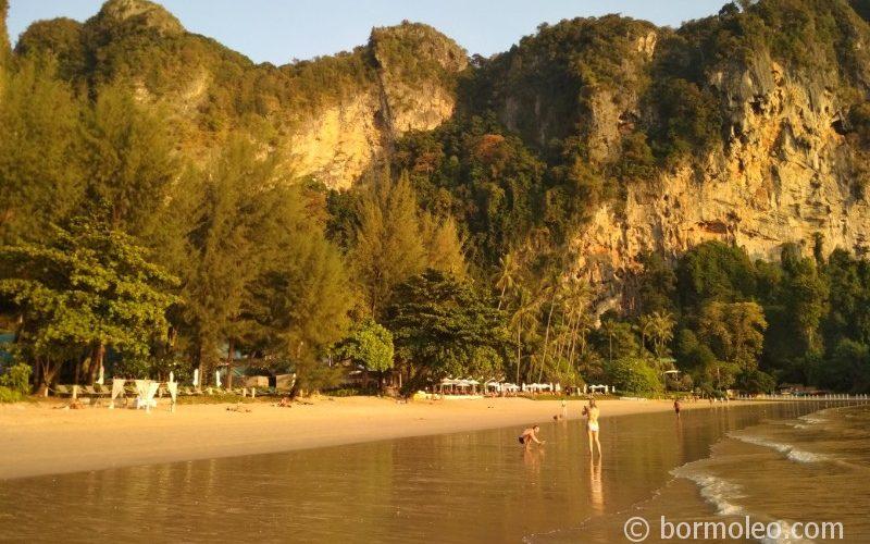 Фото: Ао Нанг - отправная точка для знакомства с провинцией Краби